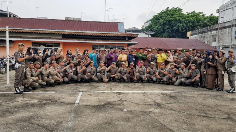 Wabup Pimpin Apel Pagi Di Kantor Satpol Pp Meranti Cek Pasukan Dan Beri Arahan